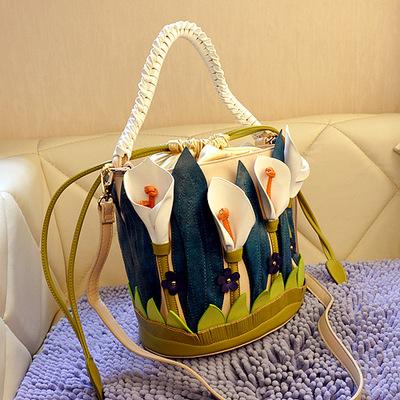 Женская сумка Цветы у озера